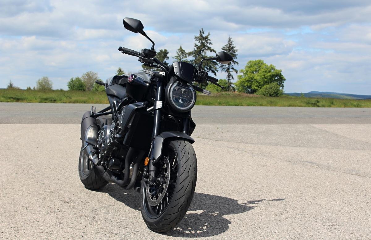 honda-cb1000r-black-edition-13