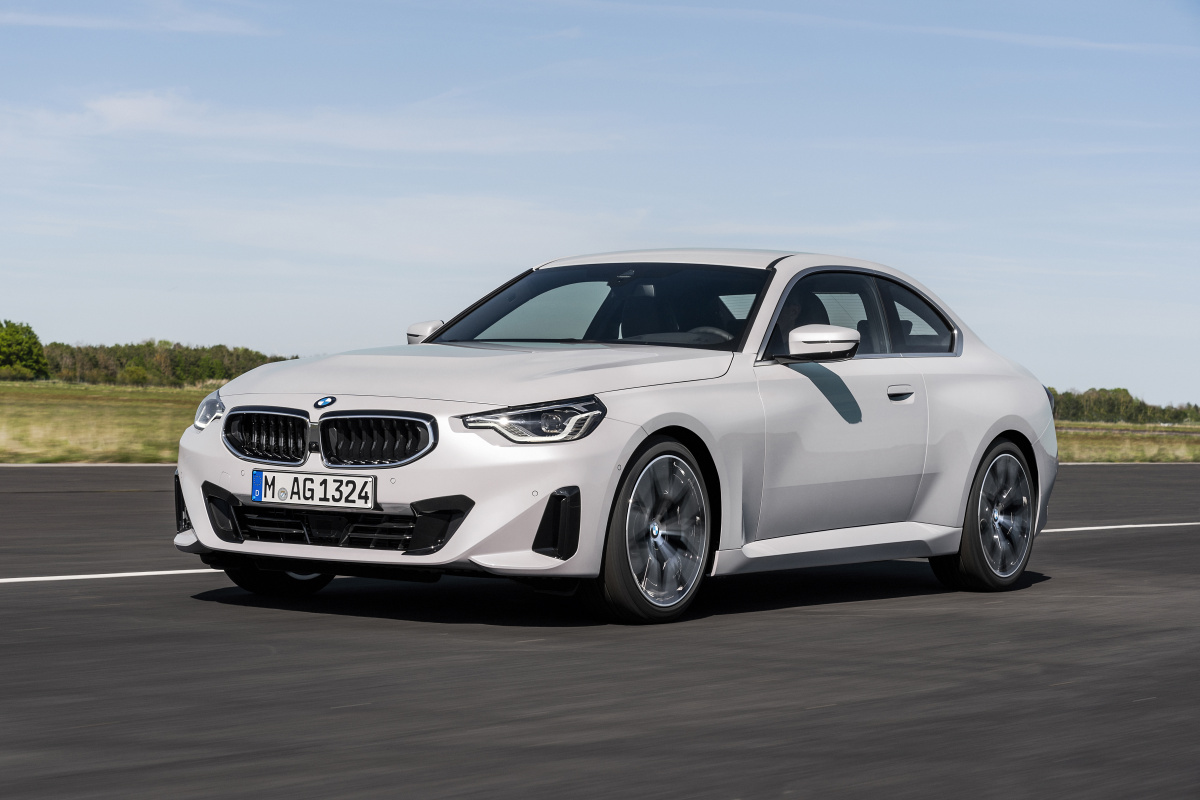 p90428426_highres_the-all-new-bmw-220i