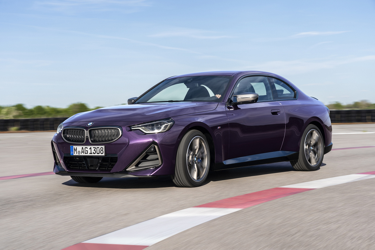p90428445_highres_the-all-new-bmw-m240